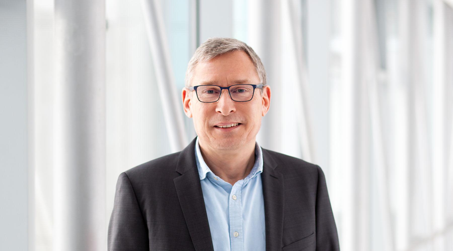 Prof. Dr. Volkmar Leßmann